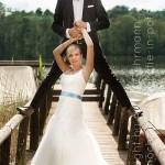 Brautpaar-Steg-See-Sommer-unkonventionell-Spass-Freude-Glück